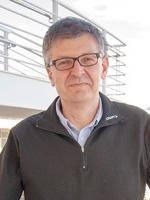 Dr David Saunders